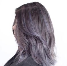 Brown + Lavender grey + Layered Lob // Brown + Lavender grey + Layered L Greyish Purple Hair, Silver Lavender Hair, Hair Color Dark, Grey Brown Hair, Grey Ombre Hair, Unnatural Hair Color, Violet Hair, Hair Dye Colors, Aesthetic Hair