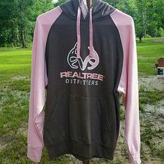 Realttree hoodie. HOLD!### Cute punk and brown real tree hoodie..in excellent shape Tops Sweatshirts & Hoodies
