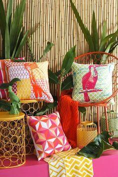 Clima tropical - inspire-se! Interior Tropical, Tropical Home Decor, Tropical Colors, Tropical Style, Tropical Houses, Tropical Plants, Deco Jungle, Estilo Tropical, Tropical Bedrooms