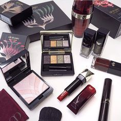 """""""Clé de Peau Beauté Collection Bal Masqué for the 2015 Holiday Season is perfect for the glamorous bombshell who favours antique metal tones and red lips."""" - Thanks for sharing, Candice!  Photo Credits: @makeup_box  #holidaygiftguide #wishlist #luxury #makeup #limitededition #present #skincare #redlips"""