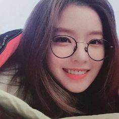 Imagem de red velvet, irene, and kpop Red Velvet アイリン, Irene Red Velvet, Seulgi, Kpop Girl Groups, Kpop Girls, Korean Girl, Asian Girl, Red Velet, Ulzzang Girl