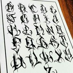 Chicano Tattoos Lettering, Tattoo Lettering Alphabet, Tattoo Lettering Styles, Graffiti Lettering Fonts, Font Art, Tattoo Script, Lettering Design, Graffiti Letter T, Graffiti Words