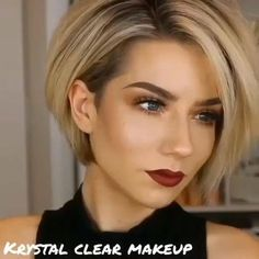 """Looking for a new short hairstyle to spice up your style? In this post you will find the best pictures of 20 latest Short haircuts that will totally inspire you! hair 2020 20 Latest Short Hairstyles That Will Make You Say """"WOW"""" Latest Short Hairstyles, Short Bob Haircuts, Quick Hairstyles, Short Hair With Undercut, Short Hairstyles For Thin Hair, Uneven Bob Haircut, Short Hair Cuts For Women Pixie, Assymetrical Haircut, Long Pixie Bob"""