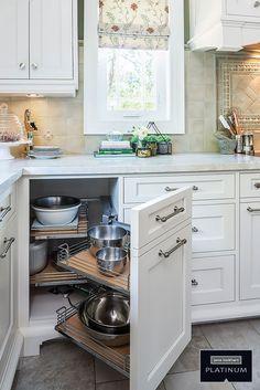 Jane Lockhart Platinum kitchen