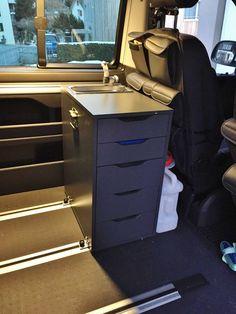 de - the VW Camper Communi .de - the VW camper community. Diy Kitchen Island, Kitchen Units, Kitchen Cabinet Design, Kitchen On A Budget, Kitchen Ideas, Kitchen Cabinets, Vw Camper, Camper Diy, Ikea Camping