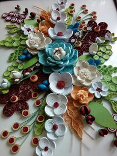 Paper Quilling Flowers, Paper Quilling Designs, Quilling Ideas, Quilling Art, Diy And Crafts, Paper Crafts, Flower Crafts, Jewelry Art, Polymer Clay