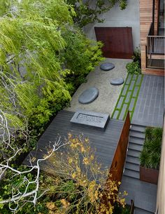 The Telegraph Hill Residence landscape design expands and dramatizes the entry sequence and exterior spaces of an existing hillside residence by dissolving the barrier between the user and the expansive Modern Landscape Design, Landscape Architecture Design, Traditional Landscape, Landscape Plans, Modern Landscaping, Backyard Landscaping, Modern Backyard, Landscaping Design, Garden On A Hill