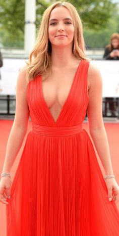 These Jodie Comer pictures are her hottest photos ever. We found sexy images, GIFs (videos,) & wallpapers from various bikini and/or lingerie photo shoots. British Celebrities, Beautiful Female Celebrities, Beautiful Women, Jodie Comer, Lingerie Photos, Healthy Women, Young Models, Instagram Models, Instagram Makeup