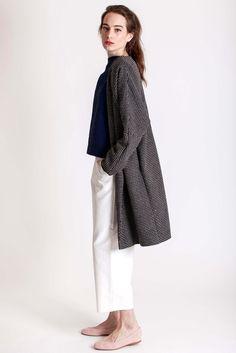 Beautiful oversized coat made of wool & cotton by designer brand Dott. Oversized Coat, Cotton Pants, Piece Of Clothing, Branding Design, Normcore, Feminine, Spring Summer, Wool, Sleeves