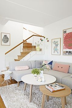 Trendy home interior design ideas living rooms furniture coffee tables ideas Scandi Living, Living Room White, Home Living Room, Living Room Designs, Living Room Decor, Apartment Living, Apartment Chic, Modern Living, Living Room With Stairs