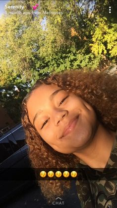 A face of happened romantic: Long with that sexy smile, is; Baddie Hairstyles, My Hairstyle, Black Girls Hairstyles, Cute Hairstyles, Glowy Skin, Flawless Skin, Natural Face, Natural Glow, Curly Hair Styles