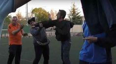 Brutal agresión de un padre a una madre en un partido juveniles VIDEO http://www.sport.es/es/noticias/futbol/brutal-agresion-una-padre-una-madre-partido-futbol-base-video-5965038?utm_source=rss-noticias&utm_medium=feed&utm_campaign=futbol