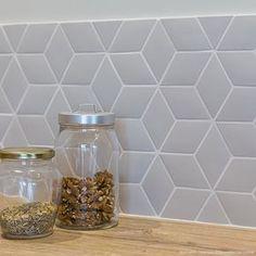 Small Diamond Tiles X Normandy Ceramics Decoration Parisienne Ceramic Decor, Tiles, Ceramics, Tile Backsplash Bathroom, Kitchen Remodel, Kitchen Colour Schemes, Backsplash, Small Bathroom Tiles, Kitchen Tiles