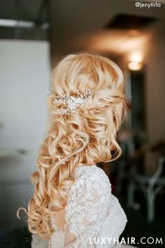 5 Reasons to Wear Hair Extensions on your Wedding Day: The wedding season can be a stressful time for any bride, Luxy Hair can help with a small aspect of it, your hair. Lazy Hairstyles, Bride Hairstyles, Sexy Wedding Dresses, Wedding Gowns, Wedding Beauty, Wedding Bride, On Your Wedding Day, Wedding Season, Wedding Hair Inspiration
