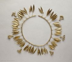 Coronet of laurel leaves and berries4th century BCErythrai, Asia Minor (present-day Turkey)