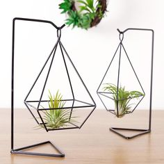 Mkono Air Plant Holder Himmeli Metal Stand Desktop Planter for Hanging Airplant Tillandsia, with Stand, Diamond Shape Iron Furniture, Steel Furniture, Home Decor Furniture, Diy Home Decor, Room Decor, Metal Projects, Welding Projects, Structure Metal, Deco Design