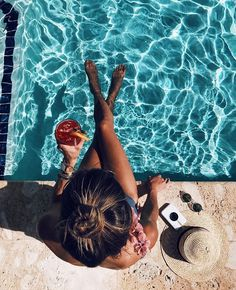Daily grind ☕ 🇫 🇷 life is a beach summer photography, summer Pool Poses, Beach Poses, Photo Summer, Summer Photos, Summer Beach, Late Summer, Summer Diy, Pool Photography, Summer Photography Instagram