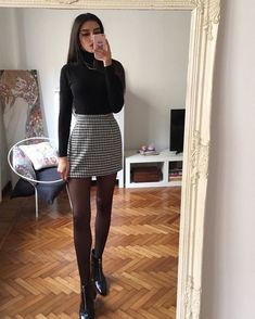 Outfits invierno - 50 Modern Skirt Outfits Ideas That Suitable For Fall – Outfits invierno Casual Winter Outfits, Winter Fashion Outfits, Look Fashion, Trendy Outfits, Fall Outfits, Feminine Fashion, Winter Outfits With Skirts, Classy Outfits, Chic Outfits