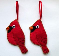 Cardinal, felt bird Christmas ornament, I'll make these for my grandma this next Christmas. Cardinals are her favorite.