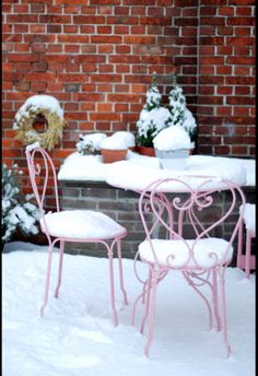 http://www.fermob.com/en/Browse-our-furniture/Flagship-collections/1900 1900 in snow