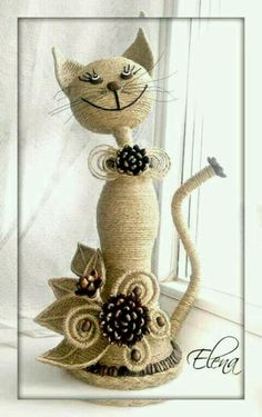 This Pin was discovered by KirCrochet Couverture Blanket Insjust I need some stones, a rop Twine Crafts, Diy And Crafts, Arts And Crafts, Wine Bottle Art, Wine Bottle Crafts, Diy Bottle, Coffee Bean Art, Rope Art, Plastic Bottle Crafts