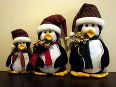 Pinguinos Foam Crafts, Diy Crafts, Seasonal Decor, Holiday Decor, Country Christmas Decorations, Christmas Crafts, Christmas Ornaments, Craft Patterns, Sewing Crafts
