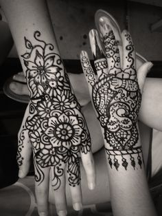 http://tattoo-ideas.us #Henna tattoos @Joshua Hansen Ideas #MakeOverBar  Lovely