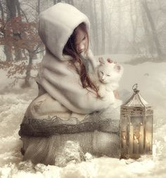Oh, this dreamy, wintery portrait is beautiful!