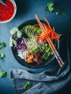 Korealainen tofu-bibimpap (V, GF) – Viimeistä murua myöten Bulgogi, Tofu, Veggies, Vegan, Ethnic Recipes, Drink, Vegetable Recipes, Beverage, Vegetables