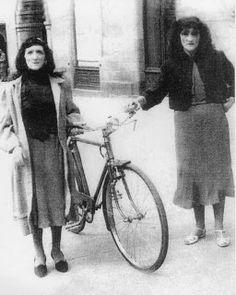 Las dos Marías. As dúas en punto. Fotografías antiguas de Santiago