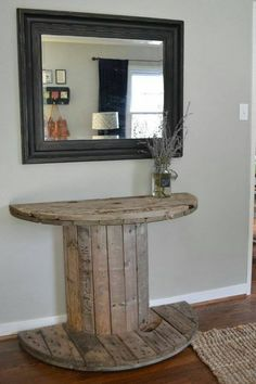 If you can find one, you can turn a wooden spool into a creative, rustic DIY project for the home. Can't find one? Try looking at your local home improvement store. Lowes and Home Depot sell several products that come on the large wooden spools. Diy Home Decor Rustic, Easy Home Decor, Cheap Home Decor, Country Decor, Rustic Vintage Decor, Rustic Crafts, Diy Crafts, Farmhouse Style Decorating, Farmhouse Design
