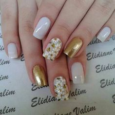 Unhas, unhas bonitas, unhas decoradas com dourado, unhas douradas, unhas . Cute Nail Art, Cute Nails, My Nails, Perfect Nails, Gorgeous Nails, Toe Nail Designs, Nails Design, Flower Nails, Creative Nails