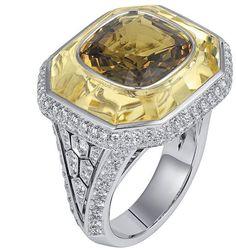Sortilège de Cartier collection ring.White gold, pink and purple sapphires, brilliant-cut diamonds.Bague Collection Sortilège...