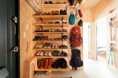 Entry bag and shoe area Surfboard Storage, Bike Storage, Shoe Cupboard, Interior Walls, Interior Design, Hobby Room, Cool Rooms, Home Organization, Interior Architecture