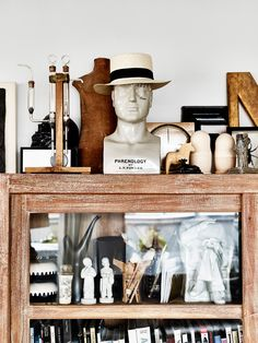 La maison d'Anna G.: Organized clutter