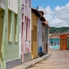 Na cidade histórica de Cachoeira, na Bahia, rituais católicos se misturam com preceitos do candomblé