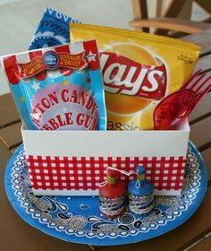 DIY Place Setting Boxes *Great for Summer Parties & the 4th of July Celebrations ♥