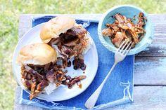 Kijk wat een lekker recept ik heb gevonden op Allerhande! Pulled pork Pur Sang, Pulled Pork, Food Inspiration, Crockpot, Bbq, Nom Nom, Breakfast Recipes, Good Food, Cooking Recipes