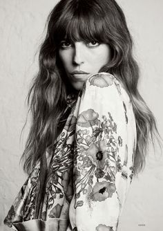 To be or to be Lou Doillon (Glass Magazine) Ivory Skin, Charlotte Gainsbourg, Lou Doillon, Actor Studio, Isabelle, Auburn Hair, Some Girls, Parisian Style, Pretty Woman