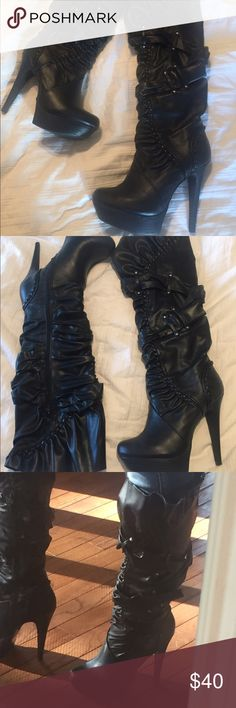 """Sexy black platform boots size 6.5 Bought these babies at S.H.I.  to wear for my catwoman costume.  They were only worn one time!    These are the perfect sexy addition to any closet and always come in handy for those sexy cosplay or Halloween costumes too!  They come just an inch or so below my knee. I am 5'5"""". -    SIZE 6.5.    Selling for less on ♏️ Shoes Heeled Boots"""
