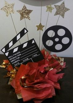 This beautiful cake topper may be use as a topper or centerpiece. Great decoration for any Hollywood Movie Theme Party, Award Banquet, Bar Mitzvah, Co… - Movie Theme Cake, Movie Themes, Party Themes, Themed Parties, Deco Theme Cinema, Hollywood Decorations, Hollywood Birthday Parties, Movie Night Party, Movie Nights