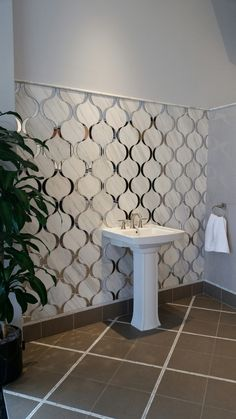 Wowzer Cementine B W 5 Makes This Bathroom Pop And It 39 S