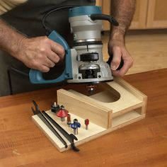 Benchtop router rest  Make a safe place to stand your router while its bit slows to a stop between work sessions. Make this for saws and sanders too.
