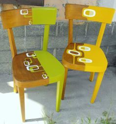 Ideas For Retro Furniture Makeover Inspiration Hand Painted Chairs, Funky Painted Furniture, Refurbished Furniture, Recycled Furniture, Furniture Projects, Cool Furniture, Retro Furniture Makeover, Furniture Inspiration, Room Chairs