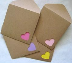 A set of 12 handmade mini note cards and envelopes. Note cards: * Made from card stock of each color - yellow, pink, light pink, & purple) * Measure Envelope Kraft, Envelope Punch Board, Kraft Envelopes, Handmade Envelopes, Heart Envelope, Origami Envelope, Origami Owl, Cute Envelopes, Origami Heart