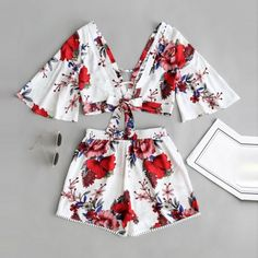 Casual Two Piece Set Women Botanical Print Summer V Collar Top Shorts Beachwear Source by outfits casual Teen Fashion Outfits, Outfits For Teens, Summer Outfits, Girl Outfits, Crop Top And Shorts, High Waisted Shorts, Cropped Top, Lace Trim Shorts, Cute Casual Outfits