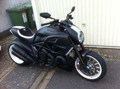 Diavel Ducati, Moto Ducati, Porsche Panamera Turbo, Motorcycle Engine, Shelby Gt500, Mopeds, Super Bikes, Bike Stuff, Bike Life