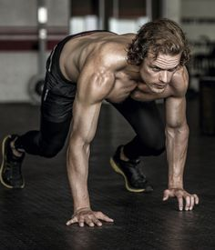 Sam Heughan's Shirtless Workout Photos Are So Sexy: Photo Sam Heughan works up a shirtless sweat in these sexy inside images for his Men's Health South Africa photo shoot. The Outlander star spoke to the… Sam Heughan Outlander, James Fraser Outlander, Outlander Casting, Outlander Tv Series, Outlander 2016, Outlander News, Sam Hueghan, Sam And Cait, Caitriona Balfe