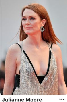 Here she comes: The legendary actress, looked stunning in a bold Valentino gown as cross genre movie Suburbicon launched at the historic Italian city's Salo Grande on day four of the celebratory event Source by Valentino 2017, Valentino Gowns, Julianne Moore, Celebrity Beauty, Celebrity Photos, Hollywood Actresses, Actors & Actresses, Gorgeous Redhead, Gorgeous Girl
