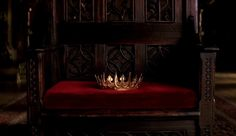 The hollow, headless crown lay on the throne, waiting for it's next victim. (Sounds a bit Game of Thrones, but who cares?)
